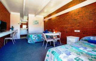 Wattle Motel in Seymour - Family Room