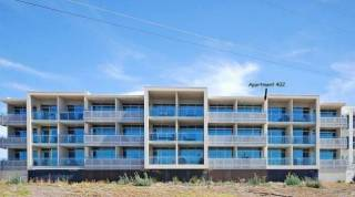 Frontage Beachfront Penthouse no 402 - Victor Harbor