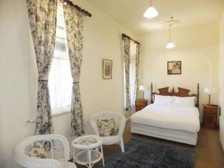Leura House - Queen Room