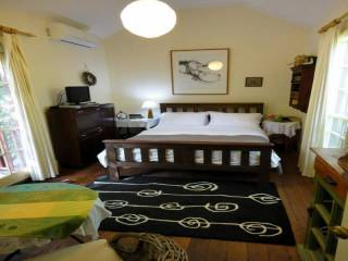 Stone's Throw Private Suite B&B