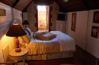 Fremantle B&B - Tarantella King Suite - Attic