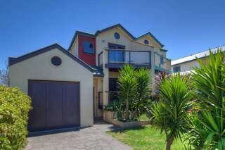 BAY SANDS VILLA  Port Fairy