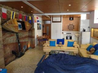 Ruby's Sandstone Splendor, Bondi Beach, sleeps 5