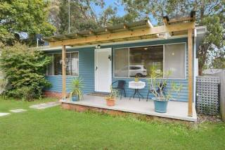 Budgewoi Pet Friendly Cottage
