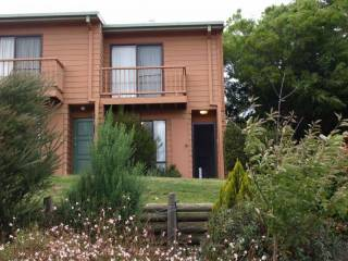 Jindabyne Cottage