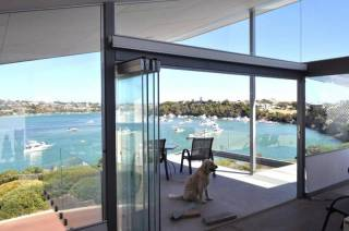 ARCHITECT HOME ON THE RIVER - OR WALK TO THE BEACH!  FREMANTLE, PERTH