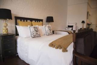 Chiltern Cottage and Indigo Suite Central Boutique