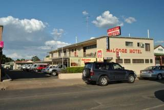 A & A Lodge Motel Emerald