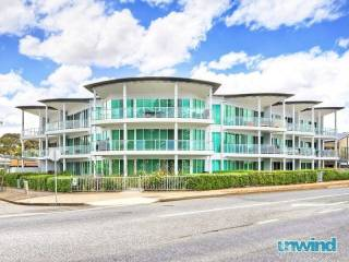 Gallery 13 Resort Style Penthouse - Victor Harbor
