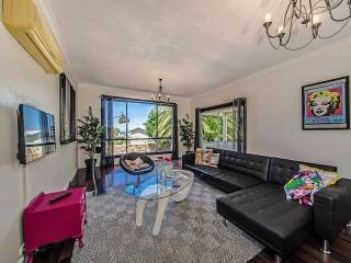 Mindarie Drive - holiday home with a view