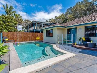 Coolum Waves ~ Sunshine Coast Pet Friendly