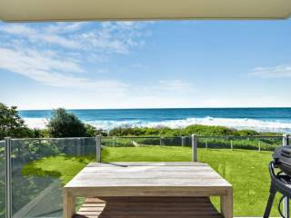 Regency Court - Absolute Beachfront