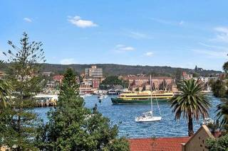 MANLY - MAN93 - West Esplanade