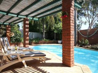 Parkview Leeming Sparkling Pool + FREE Wi-FI