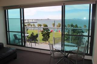 Geelong Bay Escapes - The Waterfront Apartments - Bay View Apartment