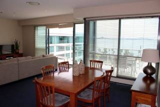 Geelong Bay Escapes - The Waterfront Apartments - Steampacket Gardens Delux