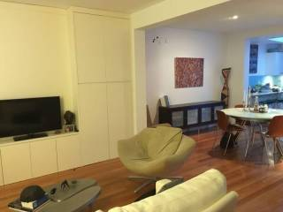Modern, renovated, 2 level terrace, close to the city, SCG, the Football Stadium, Taylor Square, Oxford St & lots more!