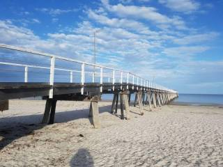 Getaway at Largs Bay