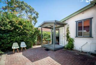 Home From Home - 149B Central Avenue, Mt Lawley (Back Cottage)