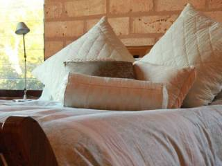 Clarendon Forest Retreat - Talawahl Eco Lodge