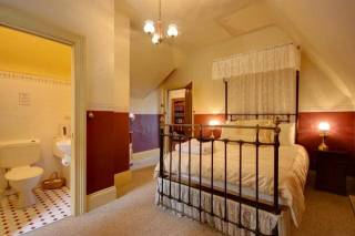 Westella Colonial Bed & Breakfast - Hunter Room