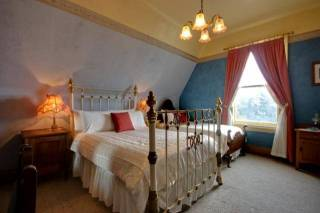Westella Colonial Bed & Breakfast - Charleston Room