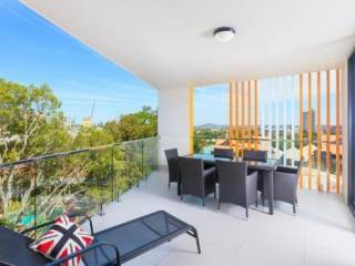 Uptown Apartments - M12B 2BR Kangaroo Point